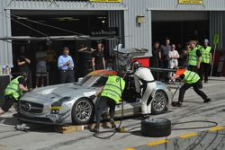 Pitstop #7 Black Falcon Mercedes Benz SLS AMG GT3: Thomas Jäger, Kenneth Heyer, Jan Seyffarth, Sean