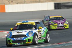 #35 Besaplast Racing Team BMW Mini Cooper S: Franjo Kovac, Martin Tschornia, Rainald Mattes, Cora Sc