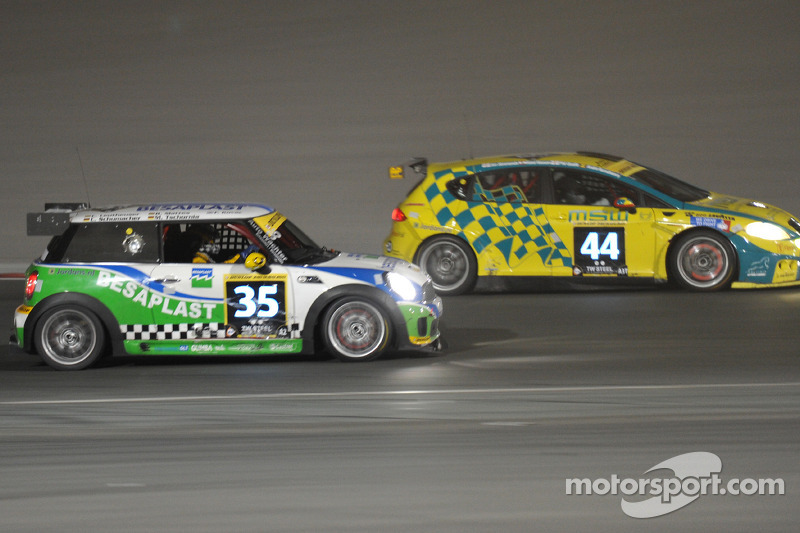 44 MSW Racing Seat Leon Super Copa: Jonathan Simmonds, Phil