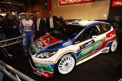 Mikko Hirvonen, Gerard Quinn en Donald Smith na voorstelling Ford Fiesta RS WRC