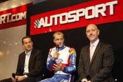 Gerard Quinn, Donald Smith et Mikko Hirvonen dévoilent la toute nouvelle Ford Fiesta RS WRC à l'Autosport International Show 2011 à Birmingham