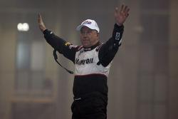 Sammy Swindell celebrates his victory