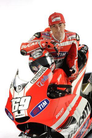 Nicky Hayden, Ducati, with the Ducati Desmosedici GP11