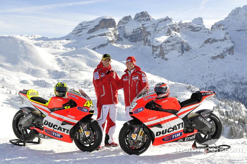 Валентино Россі, Ducati, Нікі Хейден, Ducati, на презентації Ducati Desmosedici GP11
