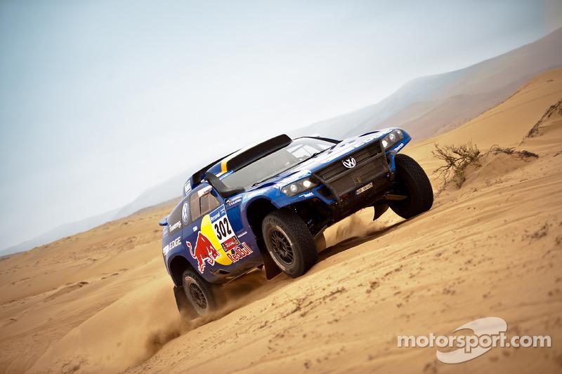 2011: Nasser Al Attiyah dan Timo Gottschalk, Volkswagen Race Touareg 3