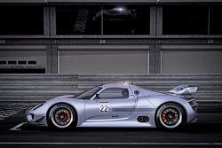 The new Porsche Concept Car 918 RSR