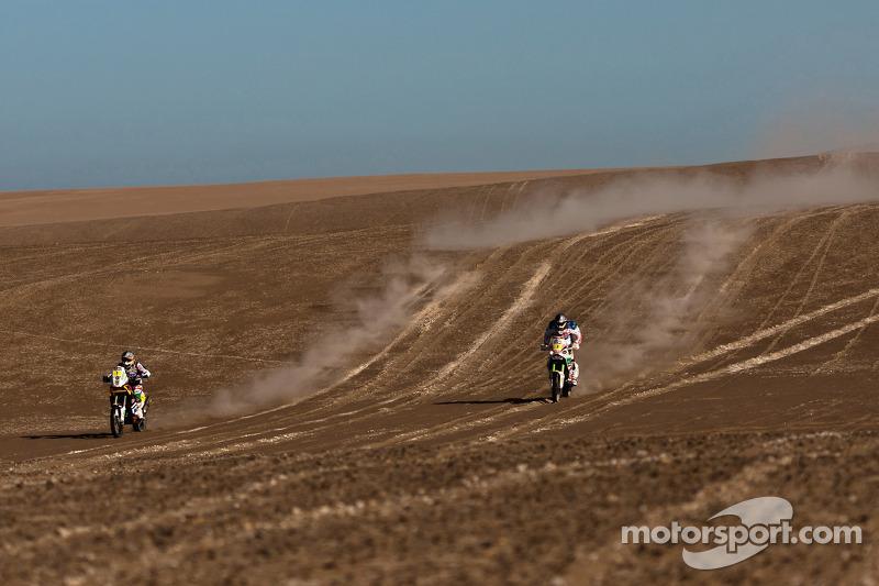 #1 KTM: Marc Coma y #3 Aprilia: Francisco Lopez Contardo