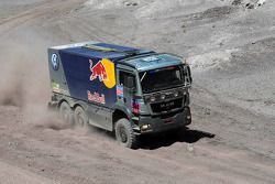 #560 Man Volkswagen Motorsport service truck: François Verbist, Jürgen Damen et Milko Laukamp