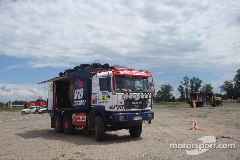 Orlen Team service truck