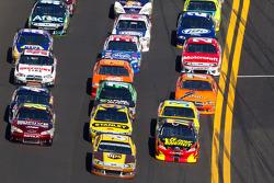 Jeff Gordon, Hendrick Motorsports Chevrolet, David Ragan, Roush Fenway Racing Ford and Steve Wallace, Rusty Wallace Racing Toyota go three-wide
