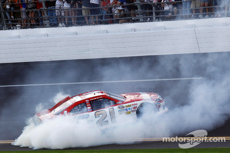 Trevor Bayne - Wood Brothers Racing - 2011 Daytona 500