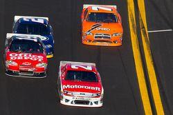 Trevor Bayne, Wood Brothers Racing Ford, Tony Stewart, Stewart-Haas Racing Chevrolet, Brad Keselowsk