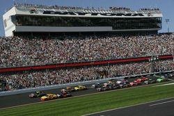 Start: Jeff Gordon, Hendrick Motorsports Chevrolet en Kurt Busch, Penske Racing Dodge