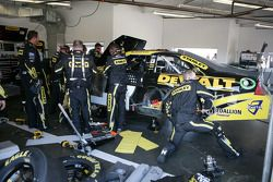 Herstelling Marcos Ambrose, Petty Motorsport Ford