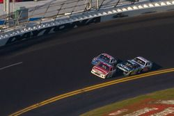 Trevor Bayne, Wood Brothers Racing Ford voor Bobby Labonte, JTG Daugherty Racing Toyota, Carl Edward