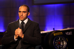 Pastor Maldonado con el Williams FW33 Cosworth