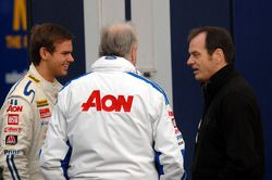 Tom Chilton, Team Aon met teambaas Mike Earle en Series Director Alan Gow