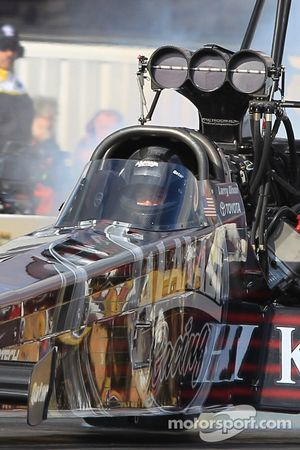 Le champion en titre Larry Dixon pilote son dragster Al Annabi Top Fuel
