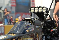 Tony Schumacher dans son dragster DSR US Army Top Fuel