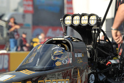 Tony Schumacher in zijn DSR US Army Top Fuel Dragster