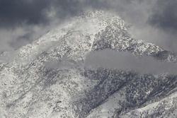 Besneeuwde bergen rond de Kragen O'Reilly Auto Parts NHRA Winternationals