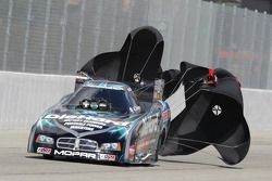 Matt Hagan gebruikt parachutes, Die Hard Dodge Charger Funny Car