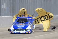 Robert Hight gebruikt parachutes Auto Club Ford Mustang Funny Car