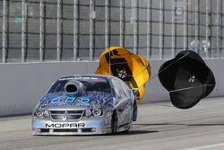 Allen Johnson deploys the parachutes on his Team Mopar Dodge Advenger