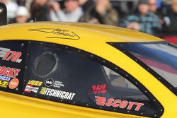 Jeff Arend in DHL Toyota Camry