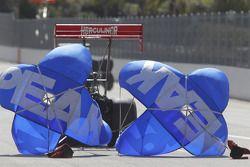 T. J.. Zizzo, parachutes op de Peak Performnce Top Fuel Dragster