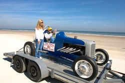 Living legends of auto racing beach parade: Ray Fox