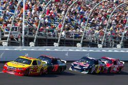 Kurt Busch, Penske Racing Dodge, Regan Smith, Furniture Row Racing Chevrolet, Kasey Kahne, Red Bull