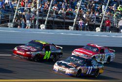 Jeff Gordon, Hendrick Motorsports Chevrolet, Denny Hamlin, Joe Gibbs Racing Toyota en Trevor Bayne,