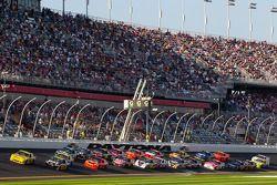 Herstart: Clint Bowyer, Richard Childress Racing Chevrolet, Jeff Burton, Richard Childress Racing Ch