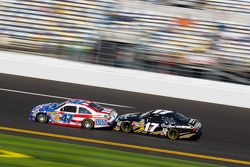 Bobby Labonte, JTG Daugherty Racing Toyota and Matt Kenseth, Roush Fenway Racing Ford