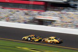 Marcos Ambrose, Petty Motorsport Ford and David Ragan, Roush Fenway Racing Ford