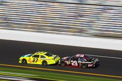 Paul Menard, Richard Childress Racing Chevrolet and Kevin Harvick, Richard Childress Racing Chevrolet