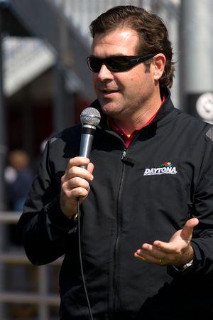 Voorstelling 2011 Daytona 500 Chevrolet Camaro SS pace car: Daytona International Speedway President