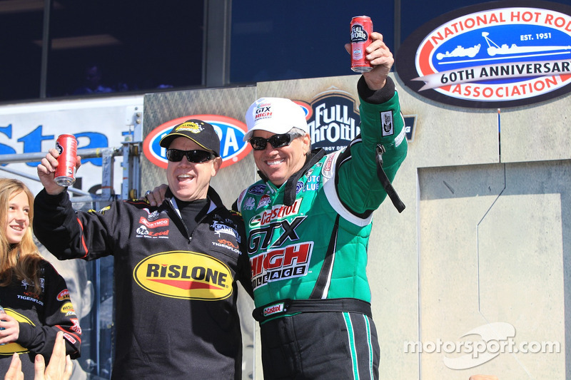 Funny Car rijder Paul Lee en John Force
