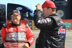 V Gaines feliciteert Jason Line met overwinning eerste ronde Kragen O'Reilly Auto Parts NHRA Wintern