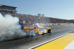 Ron Capps doing a burnout during the Kragen O