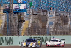 #10 SunTrust Racing Chevrolet Dallara: Max Angelelli, Ricky Taylor et #23 United Autosports with Mic