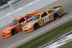 Kyle Busch en Joey Logano, Joe Gibbs Racing Toyota