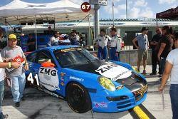 #41 TRG Porsche 997: Spencer Pumpelly, Richard Zahn