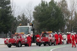 Kamui Kobayashi, Sauber F1 Team stops on track