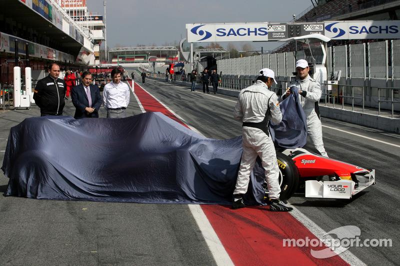 Jose Ramon Carabante Hispania Racing F1 Team eigenaar, Vitantonio Liuzzi, Narain Karthikeyan, Colin