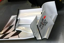 Hispania Racing F1 Team unveils the new F111, technical detail, front wing