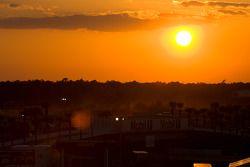 Zonsondergang Sebring paddock