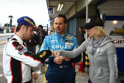 Tiago Monteiro, SEAT Leon 2.0 TDI, SUNRED met Yvan Muller, Chevrolet Cruz 1.6T, Chevrolet en vrouw S