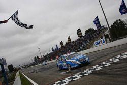 Robert Huff, Chevrolet Cruze 1.6T, Chevrolet winnaar